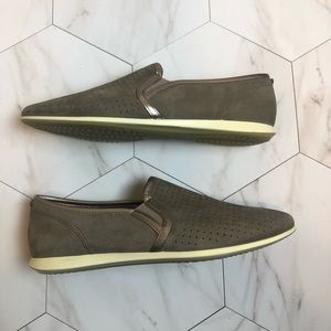 New Ecco Slip On Shoes, size 40
